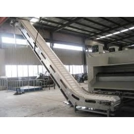 Wet nut conveyor